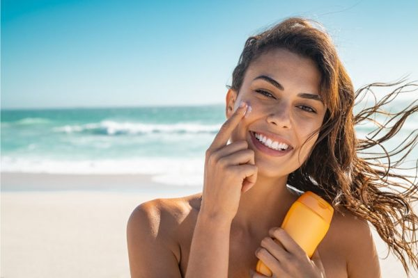 Best Vegan Sunscreen – Complete Reviews With Comparison